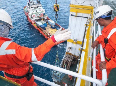 trabalhador offshore macaé qualificação